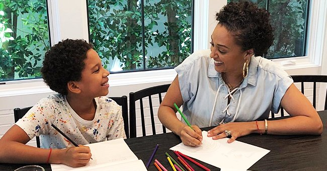 Tia Mowry's Son Cree Practices Handwriting With Different Colored Pencils & His Mom Helps Him
