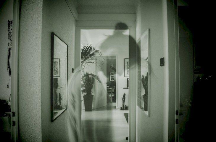 Habitación con sombra fantasmal | Imagen tomada de: Flickr