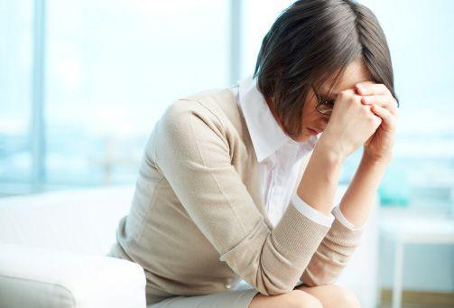 Mujer preocupada. | Foto: Shutterstock