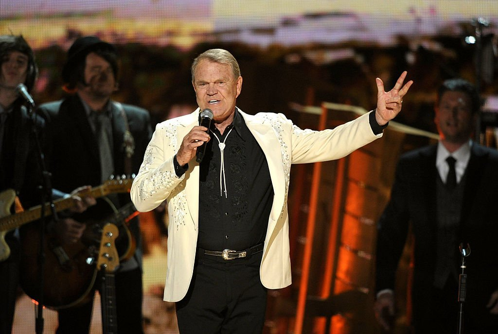 Glen Campbell at the 54th Annual GRAMMY Awards on February 12, 2012  | Photo: GettyImages