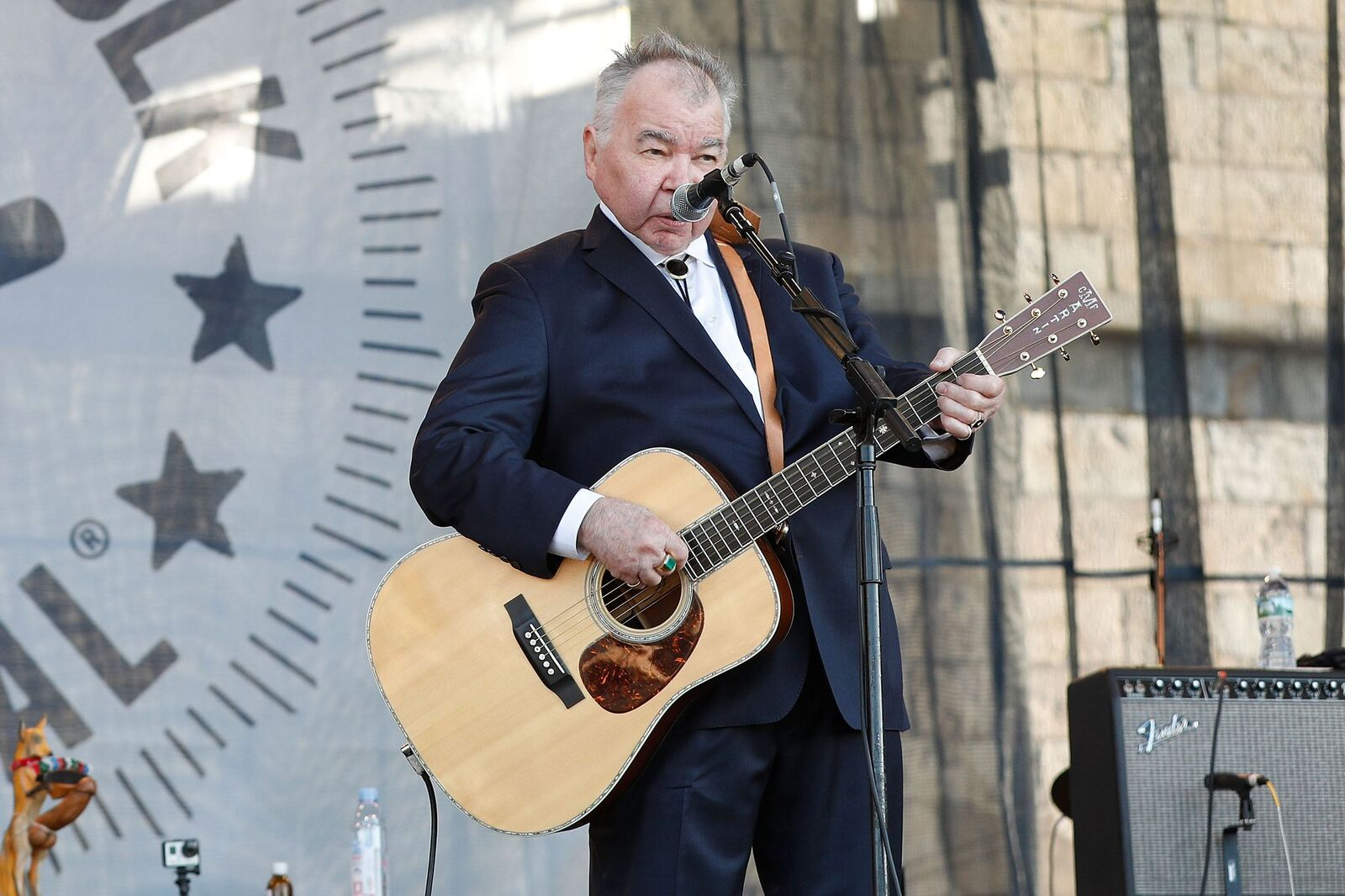 John Prine performs during theNewport Folk Festival at Fort Adams State Park on July 30, 2017, in Newport, Rhode Island | Photo: Taylor Hill/WireImage/Getty Images