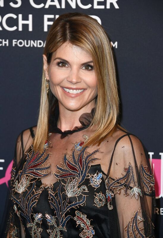 """Lori Loughlin attends WCRF's """"An Unforgettable Evening"""" at the Beverly Wilshire Four Seasons Hotel on February 27, 2018 in Beverly Hills, California. 
