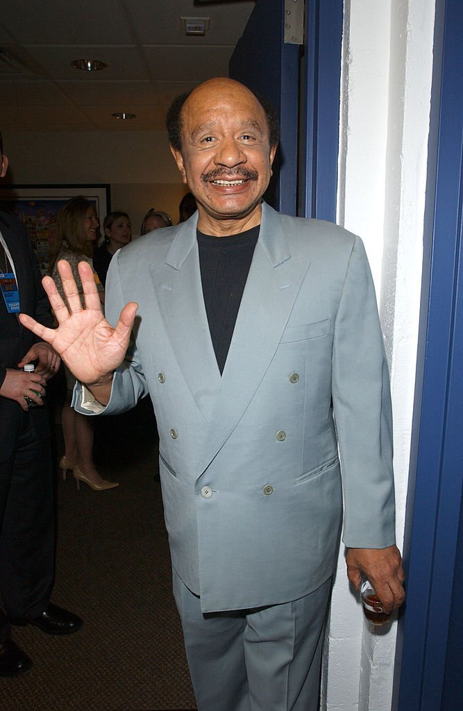 "Actor Sherman Helmsley, of the 1970s television show ""The Jeffersons,"" poses backstage at the MTV Networks Upfront 2003 presentation to advertisers at the Theatre at Madison Square Garden 