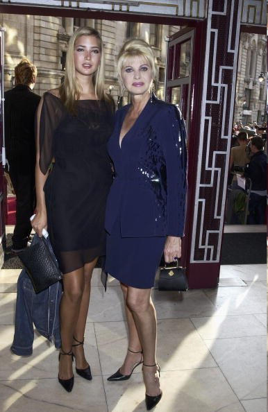 Ivana Trump and Ivanka on June 19th, 2002 at the Apollo Theatre, London | Photo: Getty Images