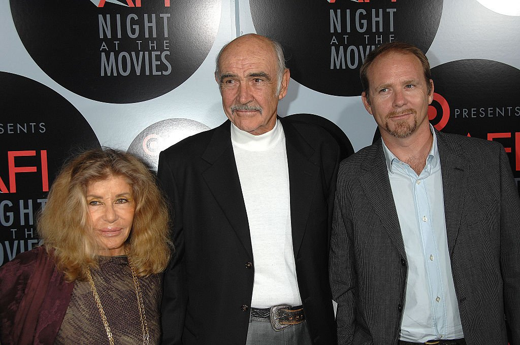 Actor Sean Connery, wife Micheline Roquebrune and son, actor Jason Connery arrive at Target presents AFI Night at the Movies, held at ArcLight Cinemas in Hollywood on October 01, 2008. | Photo: Getty Images