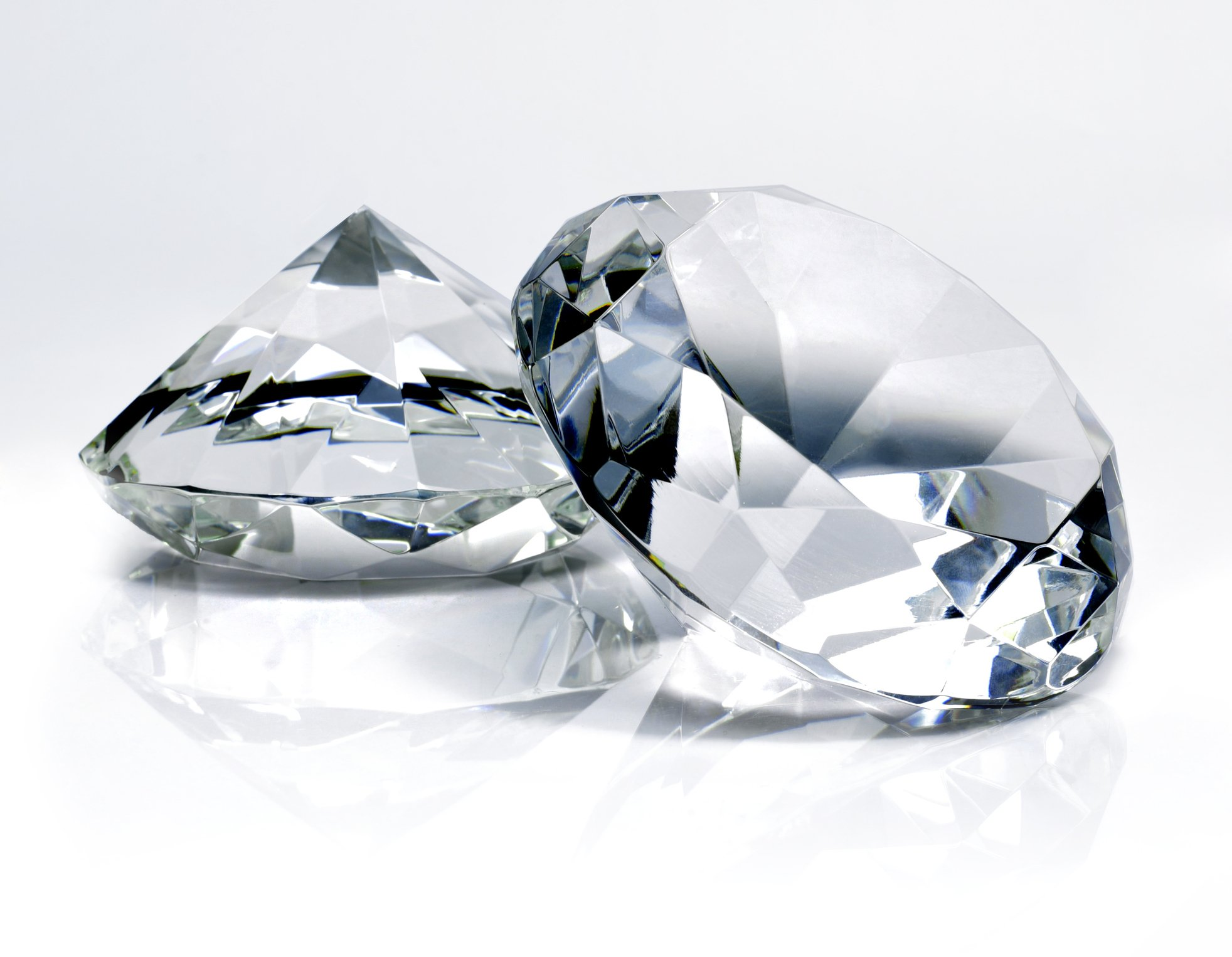 Close up image of white diamonds. | Photo: Getty Images