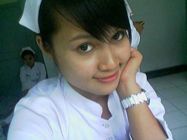 Enfermera asiática. Fuente: Public Domain Pictures