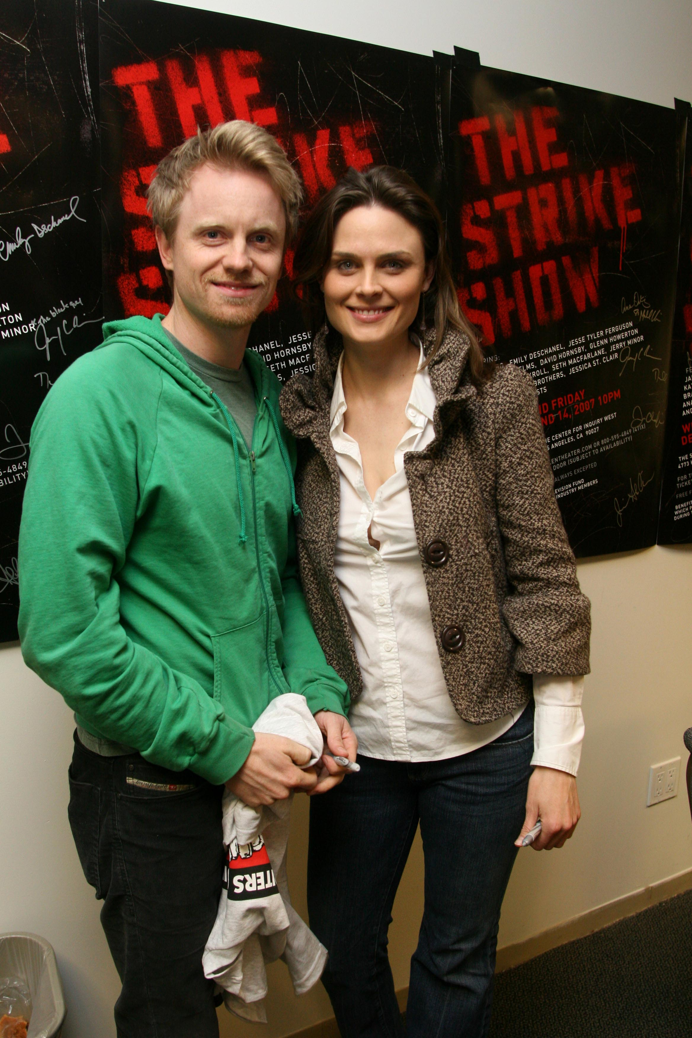 David Hornsby and Emily Deschanel attend The Strike Show to benefit the Motion Picture and Television Fund at the Steve Allen Theatre on December 12, 2007, in Hollywood, California. | Source: Getty Images.