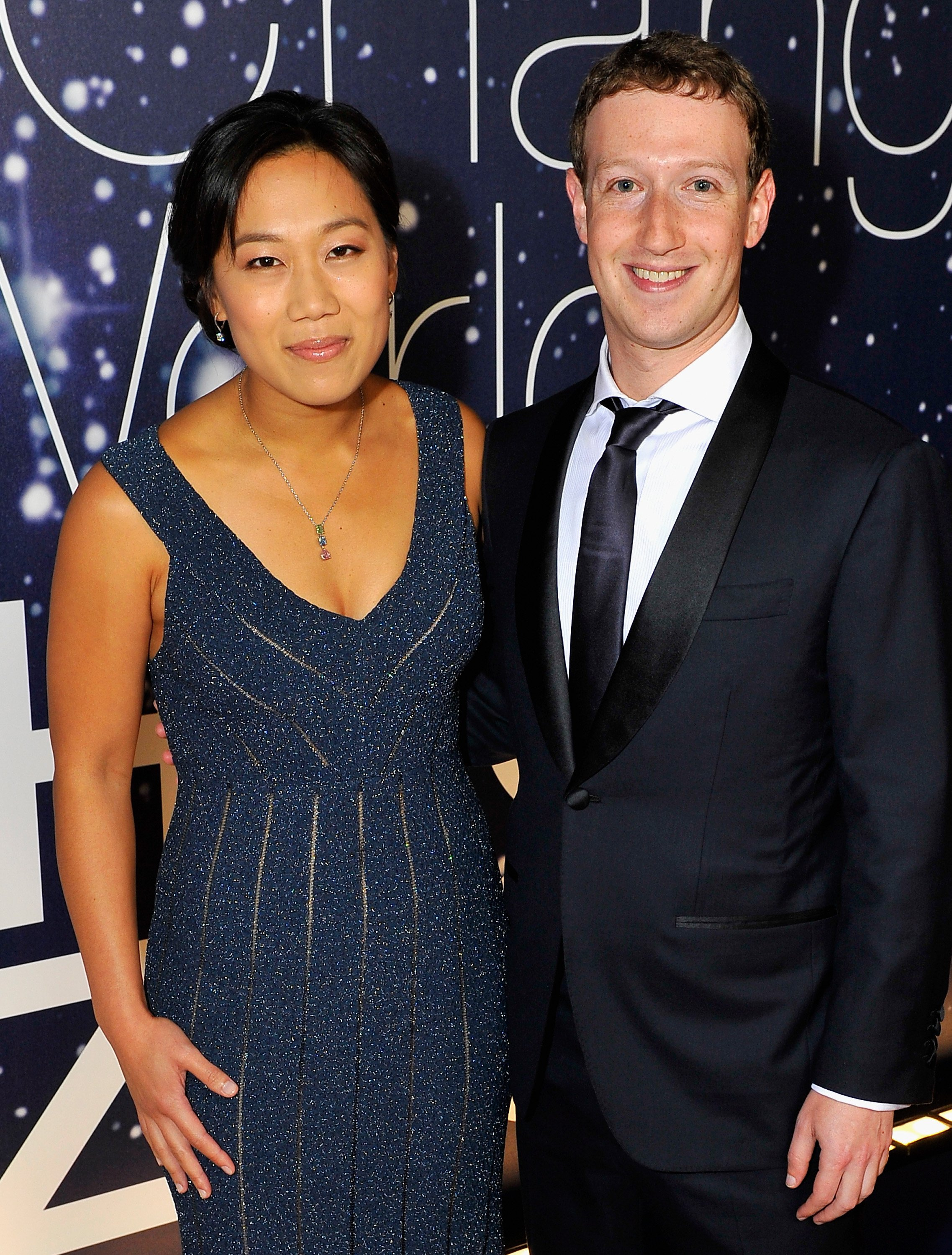 Priscilla Chan and Mark Zuckerberg attend the Breakthrough Prize Awards Ceremony Hosted By Seth MacFarlane at NASA Ames Research Center on November 9, 2014 | Photo: GettyImages