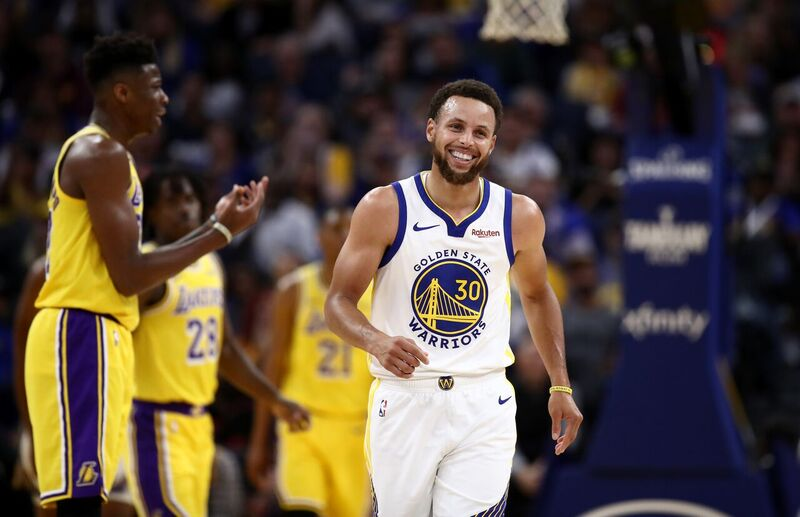 Stephen Curry at the pre-season game of the Golden State Warriors and the LA Lakers | Source: Getty Images/GlobalImagesUkraine