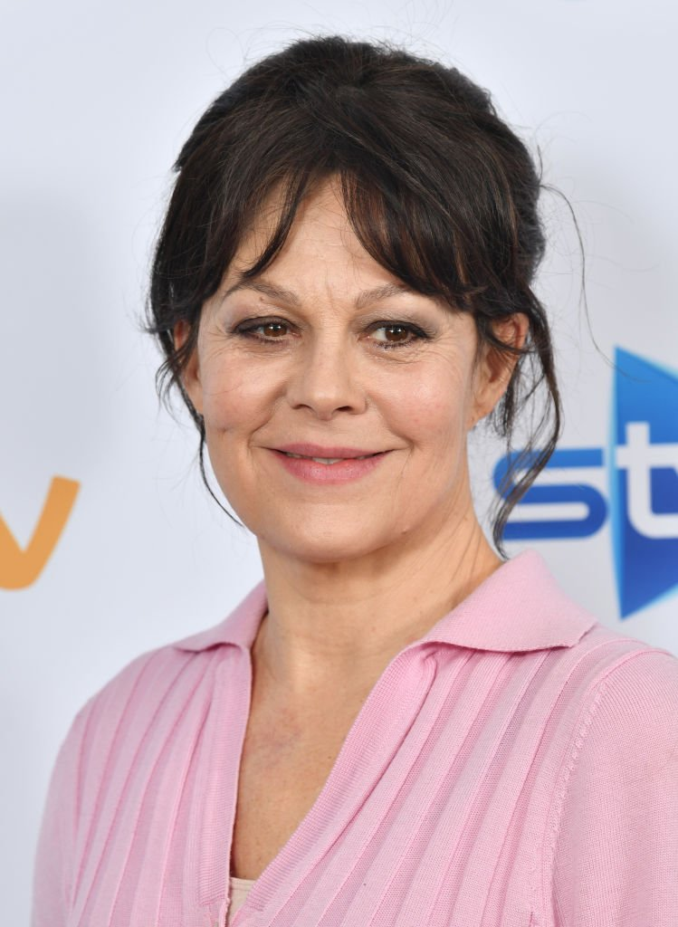 "Helen McCrory assiste au photocall ""Quiz"" à l'hôtel Soho le 24 février 2020 à Londres, en Angleterre. 
