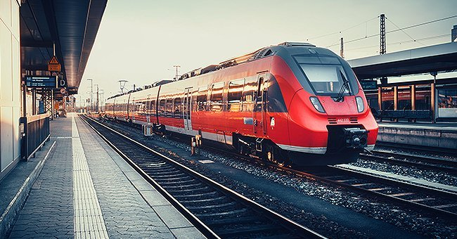 A train at the train station. | Photo: Shutterstock