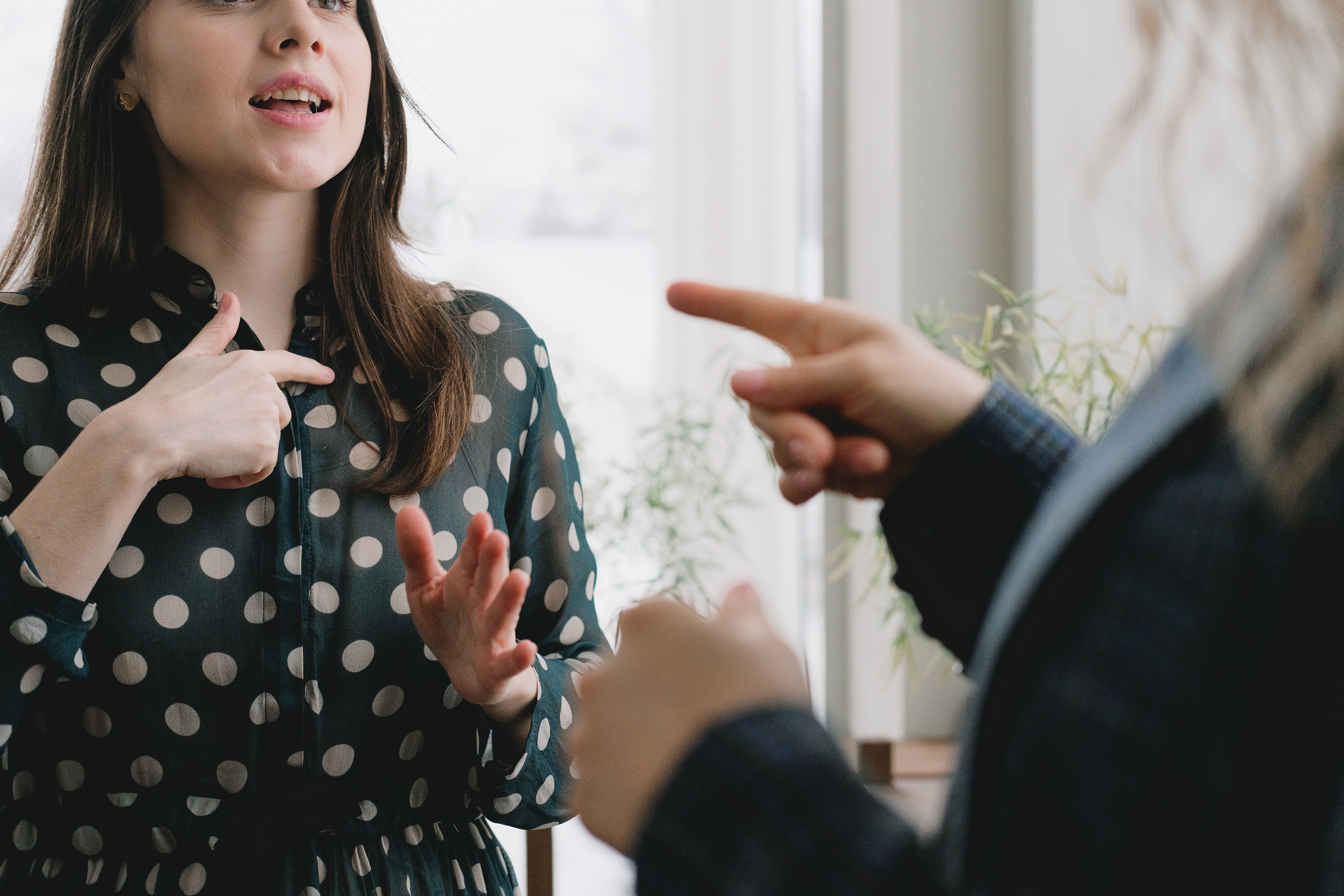 Woman arguing with a senior woman | Photo: Pexels
