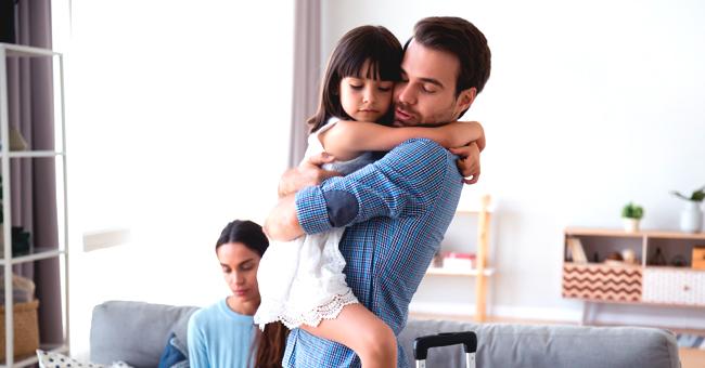 Une fille voudrait poursuivre sa mère en justice et son père demande des avis sur le net