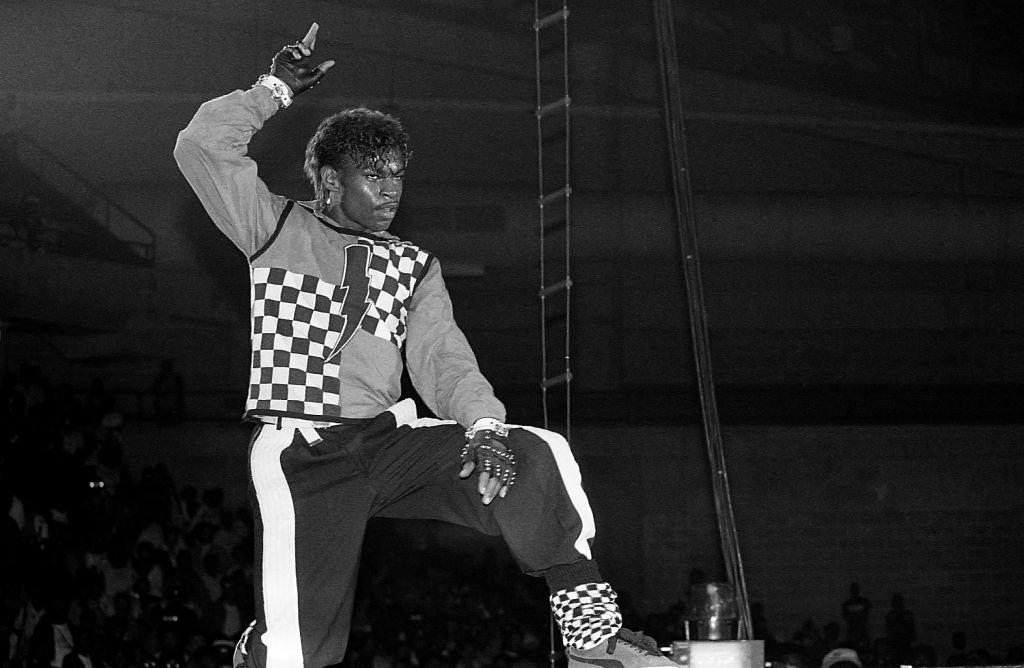 Dancer Boogaloo Shrimp performs at the U.I.C. Pavilion in Chicago, Illinois in October 1985. | Photo: Getty Images.
