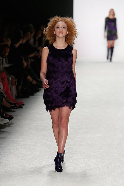 Anna Ermakova auf dem Laufsteg, Mercedes-Benz-Fashion-Week, Berlin, 2015 | Quelle: Getty Images