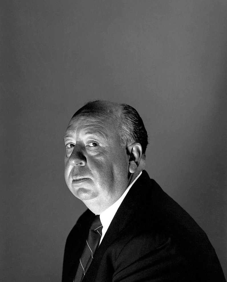 A portrait of film director Alfred Hitchcock | Photo: Flickr