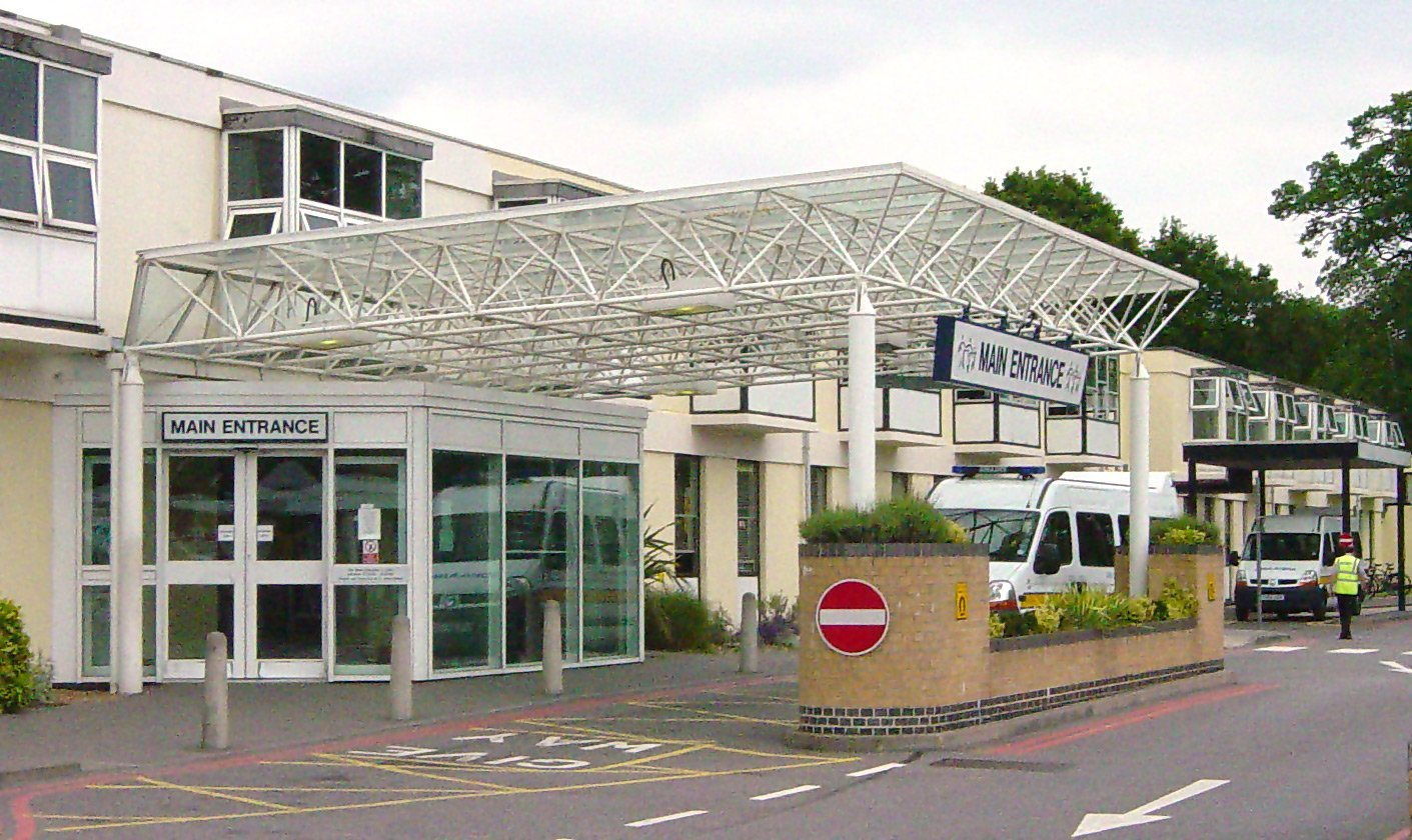 Frimley Park Hospital | Photo: Wikipedia/Euchiasmus