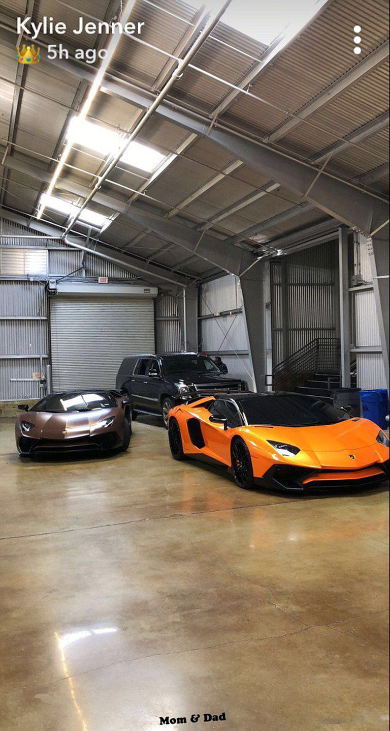 Kylie Jenner showing off hers and Travis' Lamborghinis that match Stormi's mini one. | Source: Snapchat Stories / Kylie Jenner