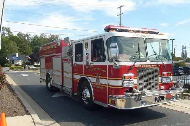 Un camion de pompier   Source : Pixabay
