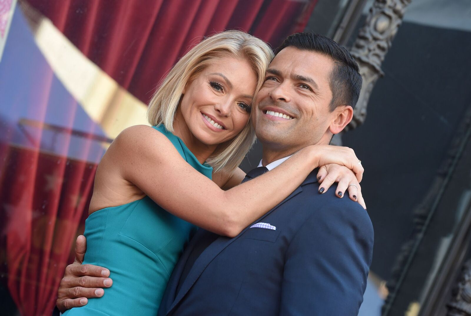 Kelly Ripa and Mark Consuelos at the ceremony honoring Ripa with a star on the Hollywood Walk of Fame on October 12, 2015, in California | Photo: Axelle/Bauer-Griffin/FilmMagic/Getty Images