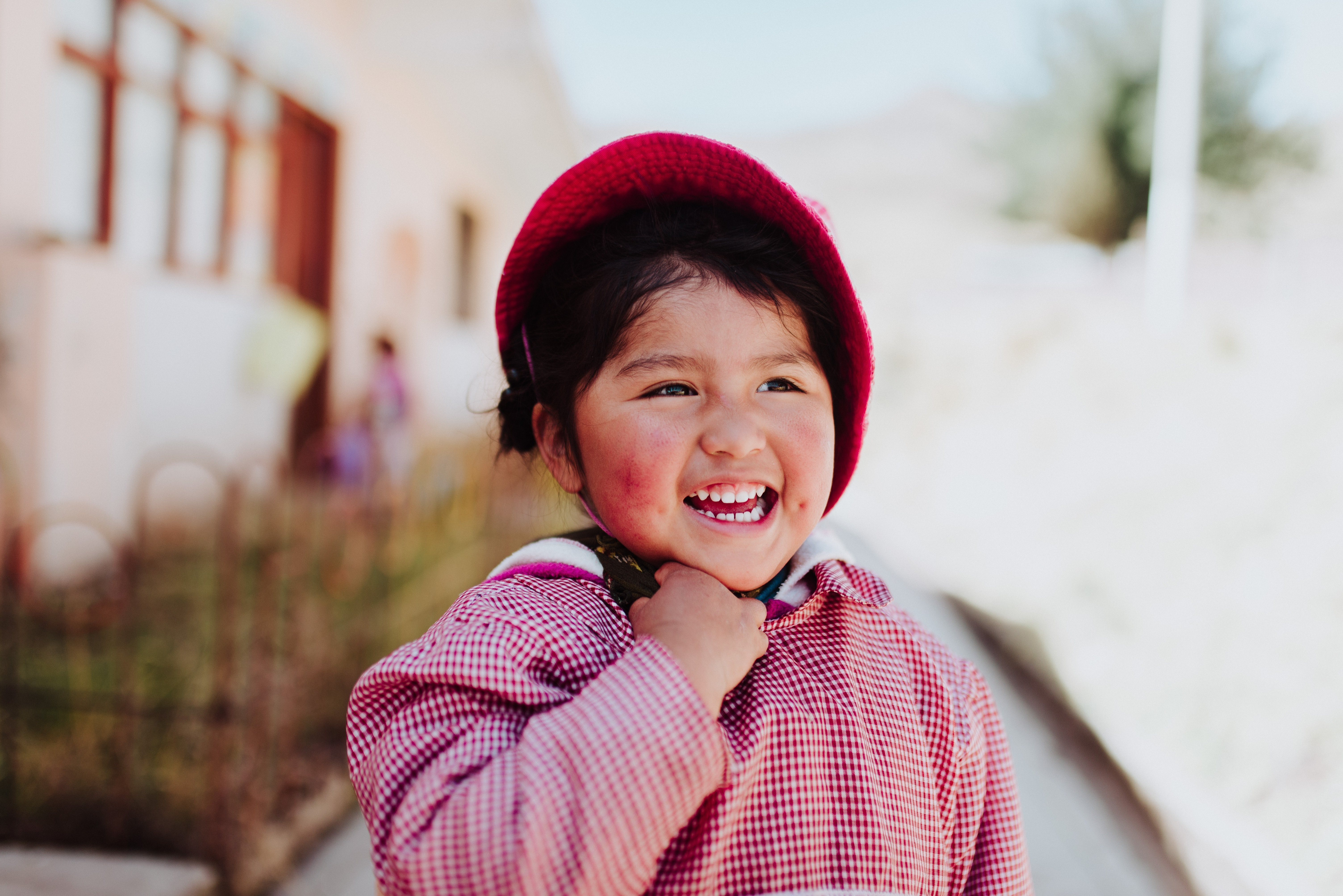 A little girl smiling. | Source: Unsplash