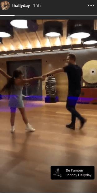 Joy qui danse   Source: Story d'Instagram de Laeticia Hallyday