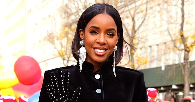 See Kelly Rowland's Stunning Selfie as She Shows off Her Pregnancy Glow in Low-Cut Blue Outfit