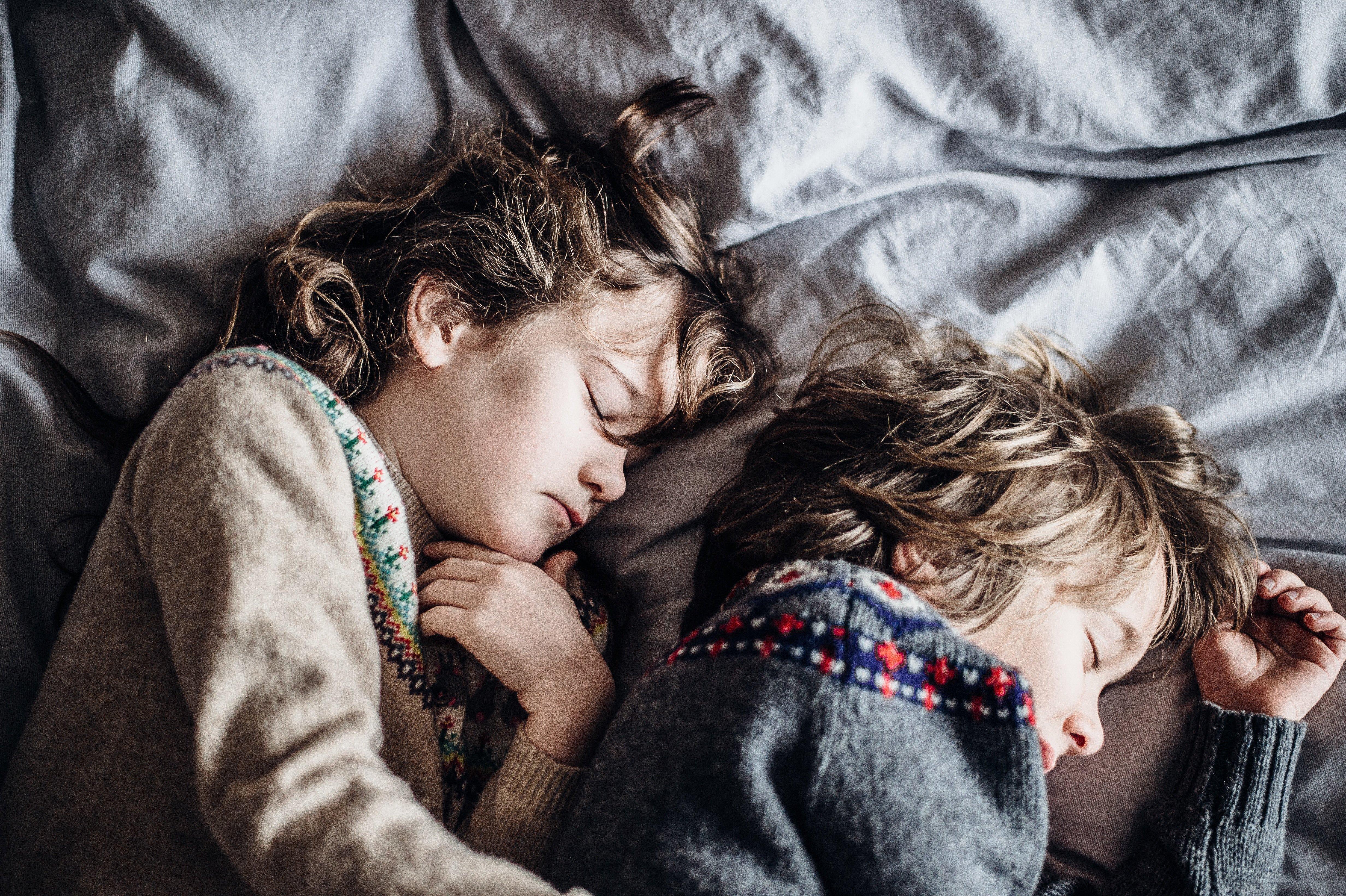 Deux enfants endormis. l Source: Unsplash