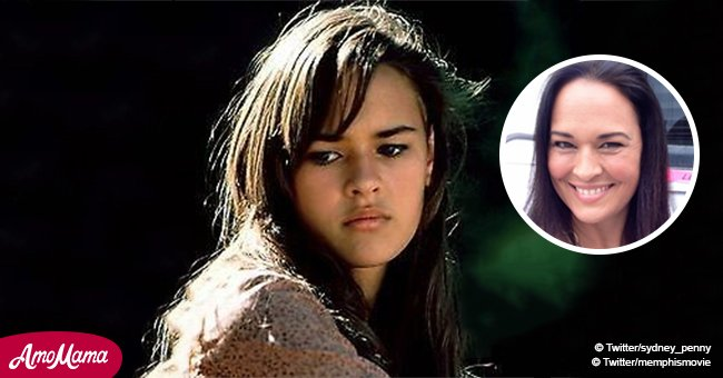 Comment la petite Meggie a changé depuis la série télévisée 'Oiseaux se cachent pour mourir'
