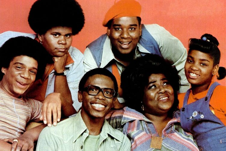 """Mabel King with the cast of """"What's Happenning!!"""" in 1976 