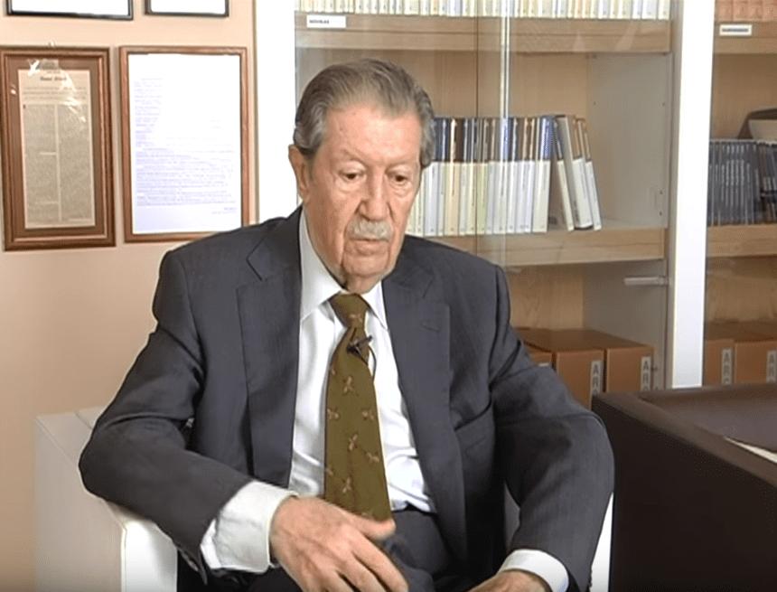 Manuel Alcántara durante una entrevista. | Imagen: YouTube/Intemporales
