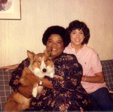 Lara Jill Miller and Nell Carter ( 1948 – 2003) with their puppy, Mercedes | Source: Lara Jill Miller