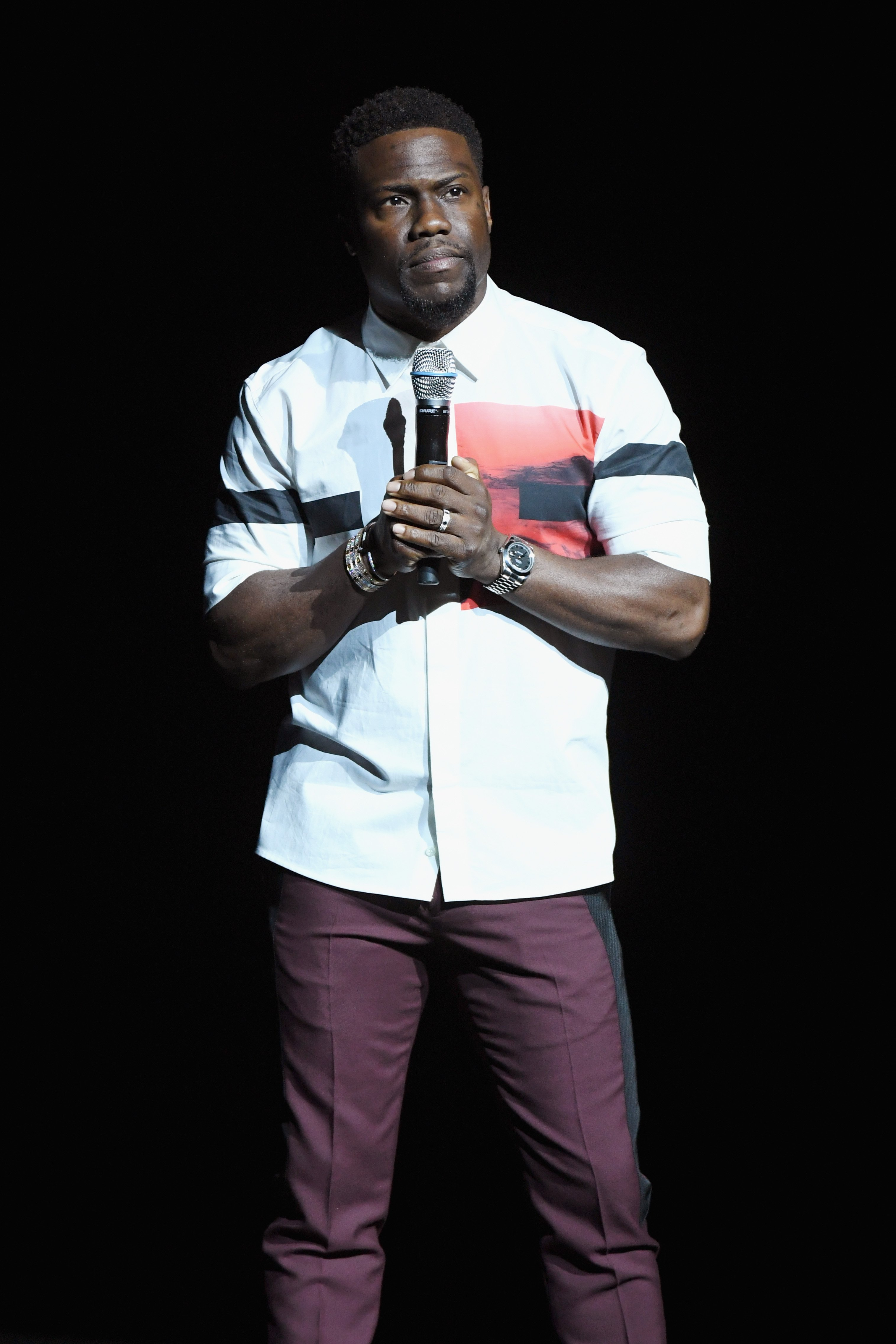 Kevin Hart speaks onstage during CinemaCon 2018 Universal Pictures Invites You to a Special Presentation Featuring Footage from its Upcoming Slate at The Colosseum at Caesars Palace. | Source: Getty Images.