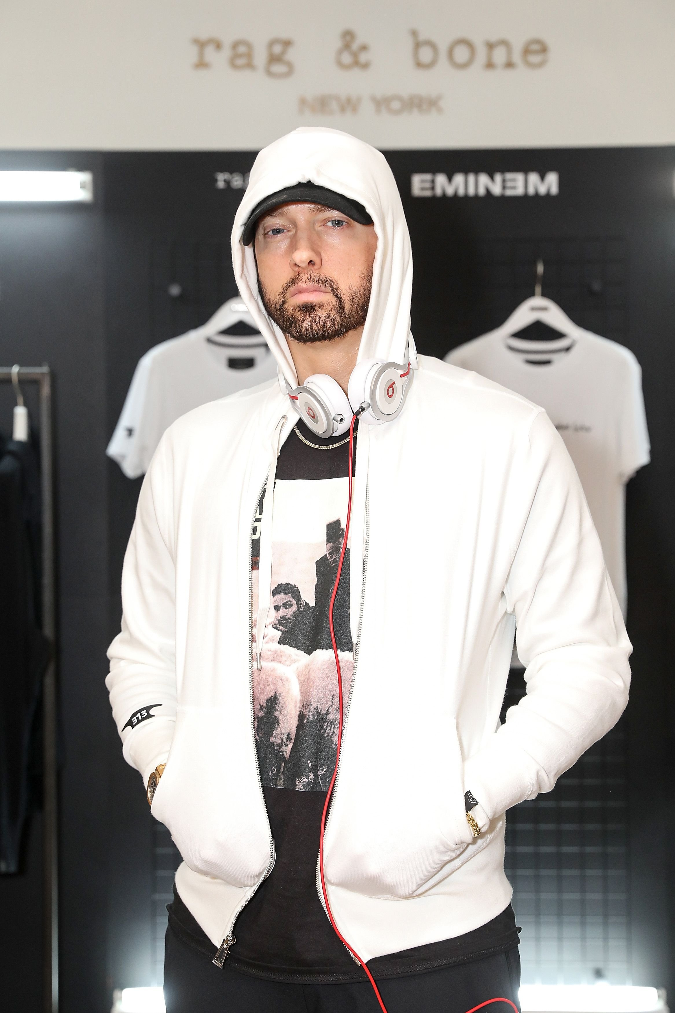 Eminem at the rag & bone X Eminem London Pop-Up. Source  | Photo: Getty Images