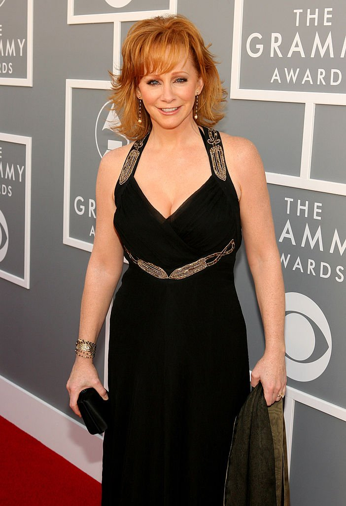 Reba McEntire' red carpet appearance at the 49th Grammy Awards in 2007. | Photo: Getty Images.