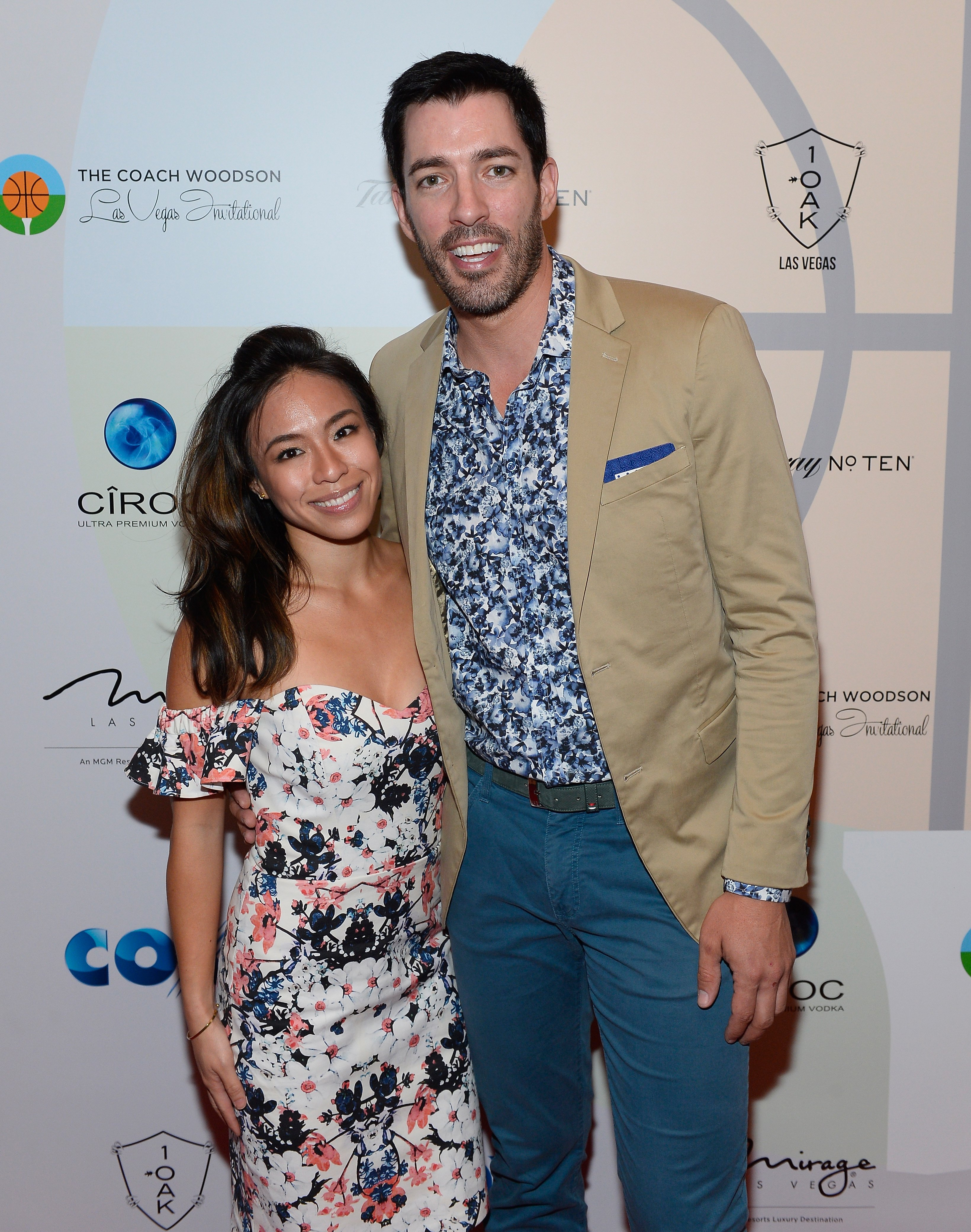 Linda Phan and Drew Scott at the Coach Woodson Las Vegas Invitational red carpet and pairings gala. | Source: Getty Images