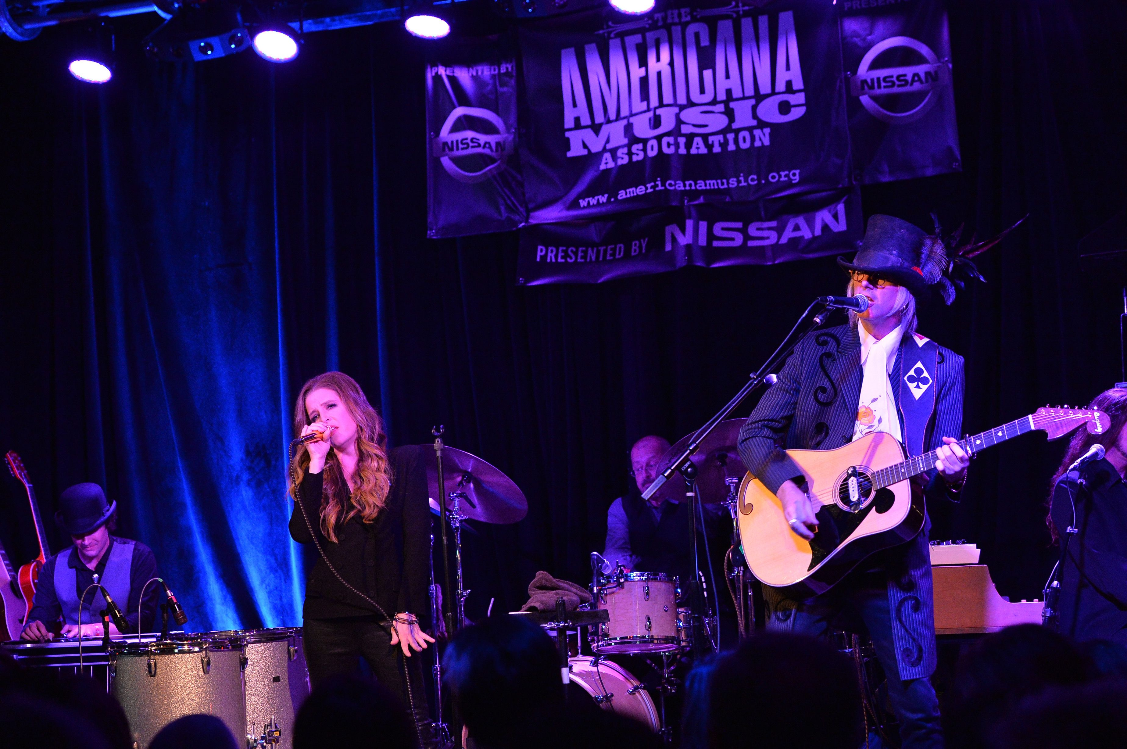 Lisa Marie Presley and Michael Lockwood perform during the 14th Annual Americana Music Festival & Conference on September 20, 2013, in Nashville | Photo: Rick Diamond/Getty Images