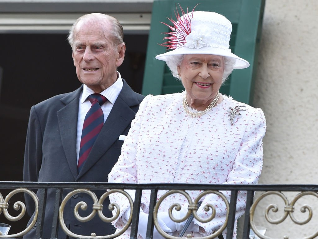 Queen Elizabeth II and Prince Philip at the Queen's Birthday Party at the residence of the British Ambassador to Germany on 25 June 2015 | Photo: Getty Images