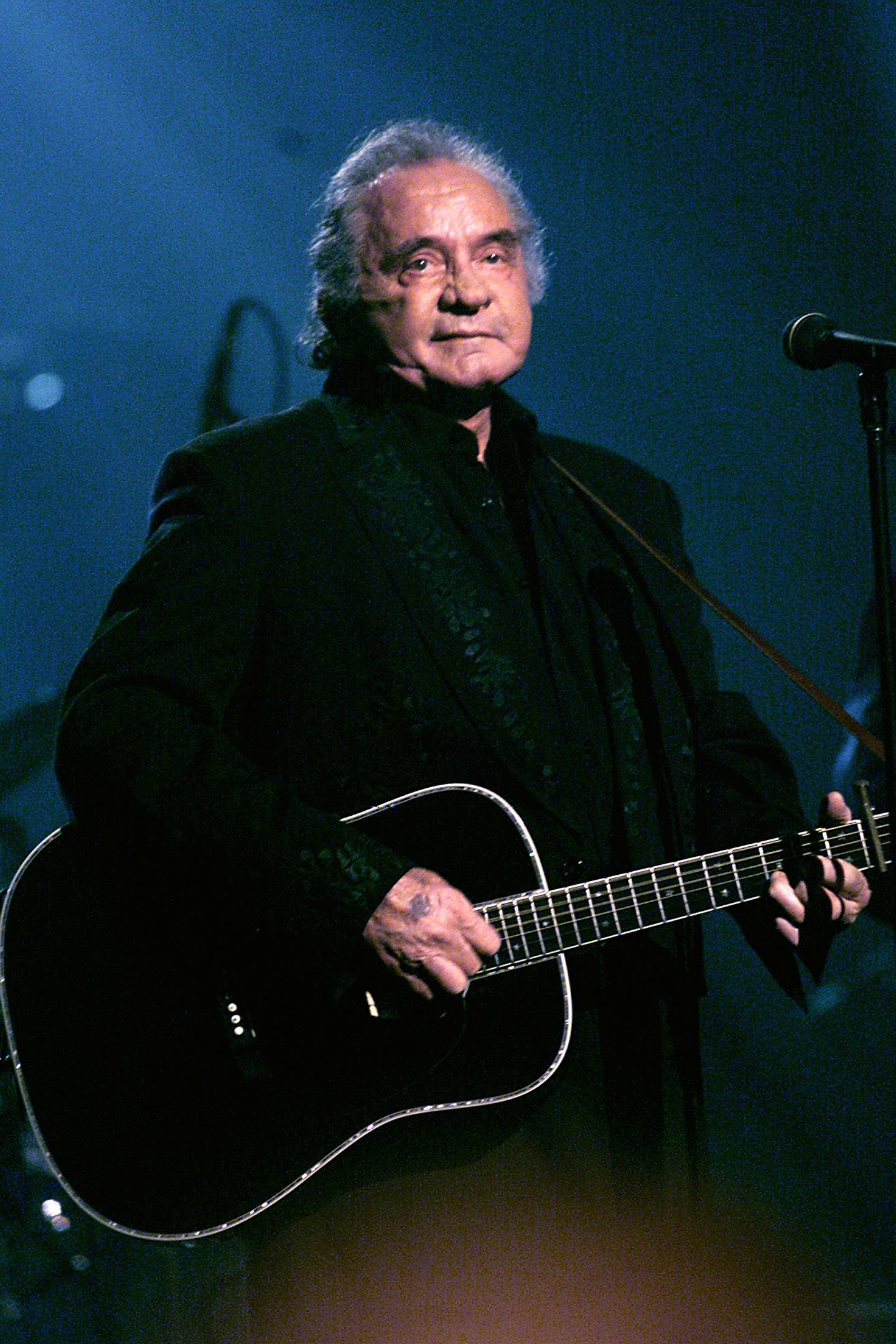 Johnny Cash at the Hammerstein Ballroom, April 18, 1999 | Photo: Getty Images