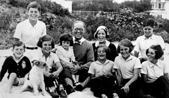 The Kennedy clan in 1931 in Hyannisport, MA. | Photo: Getty Images