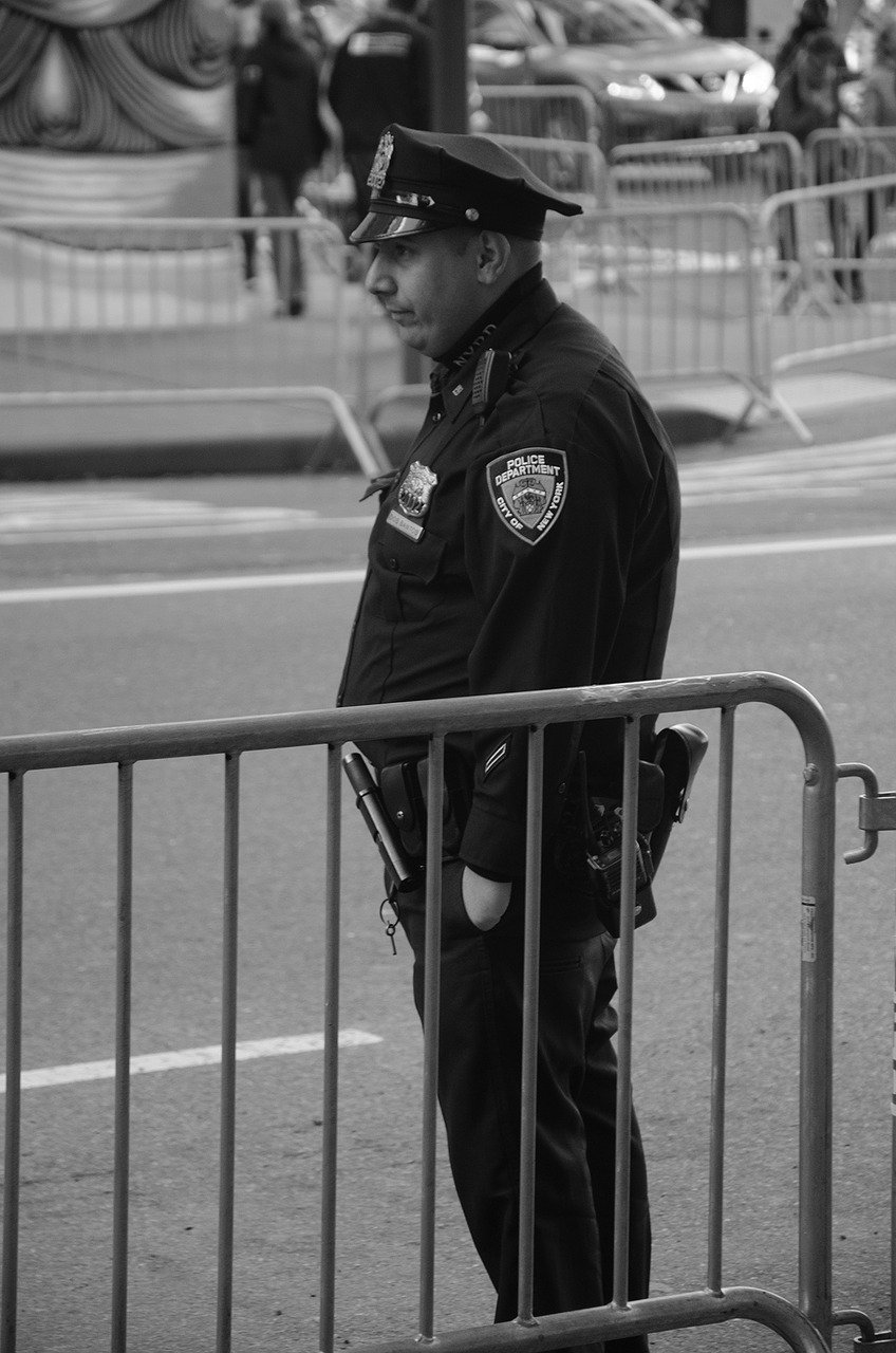 Pictured - A police man in the streets of New York City   Source: Pixabay