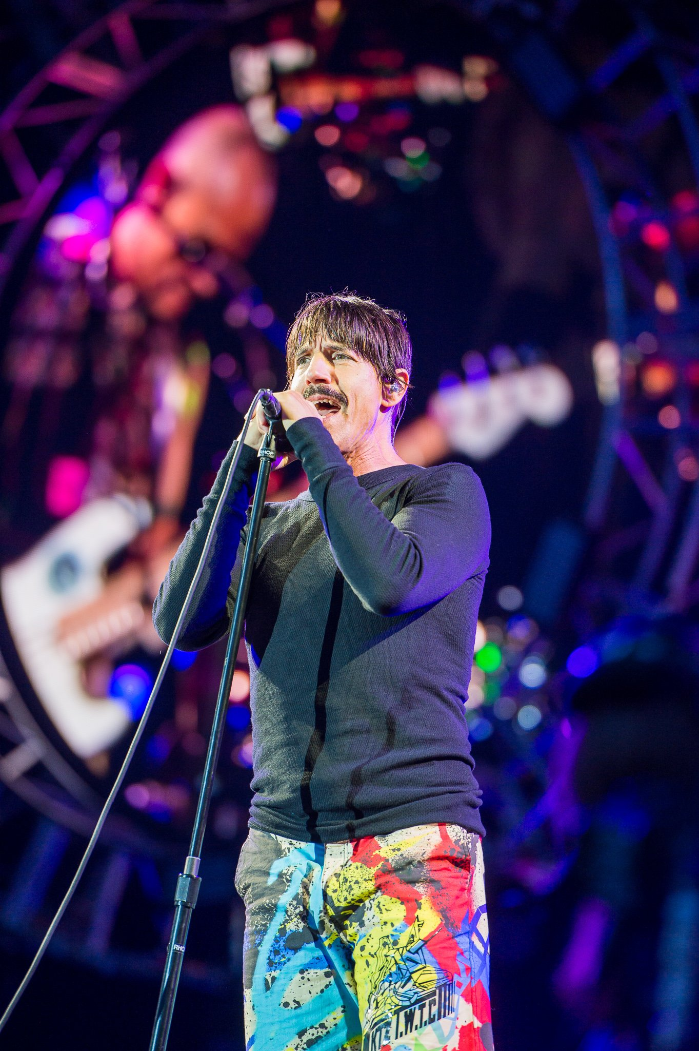 Anthony Kiedis performing during the Getaway World Tour at the Rock im Park,  Nuremburg, Germany on June 5, 2016. | Photo:  Stefan Brending,CC BY-SA 3.0 DE, Wikimedia Commons.
