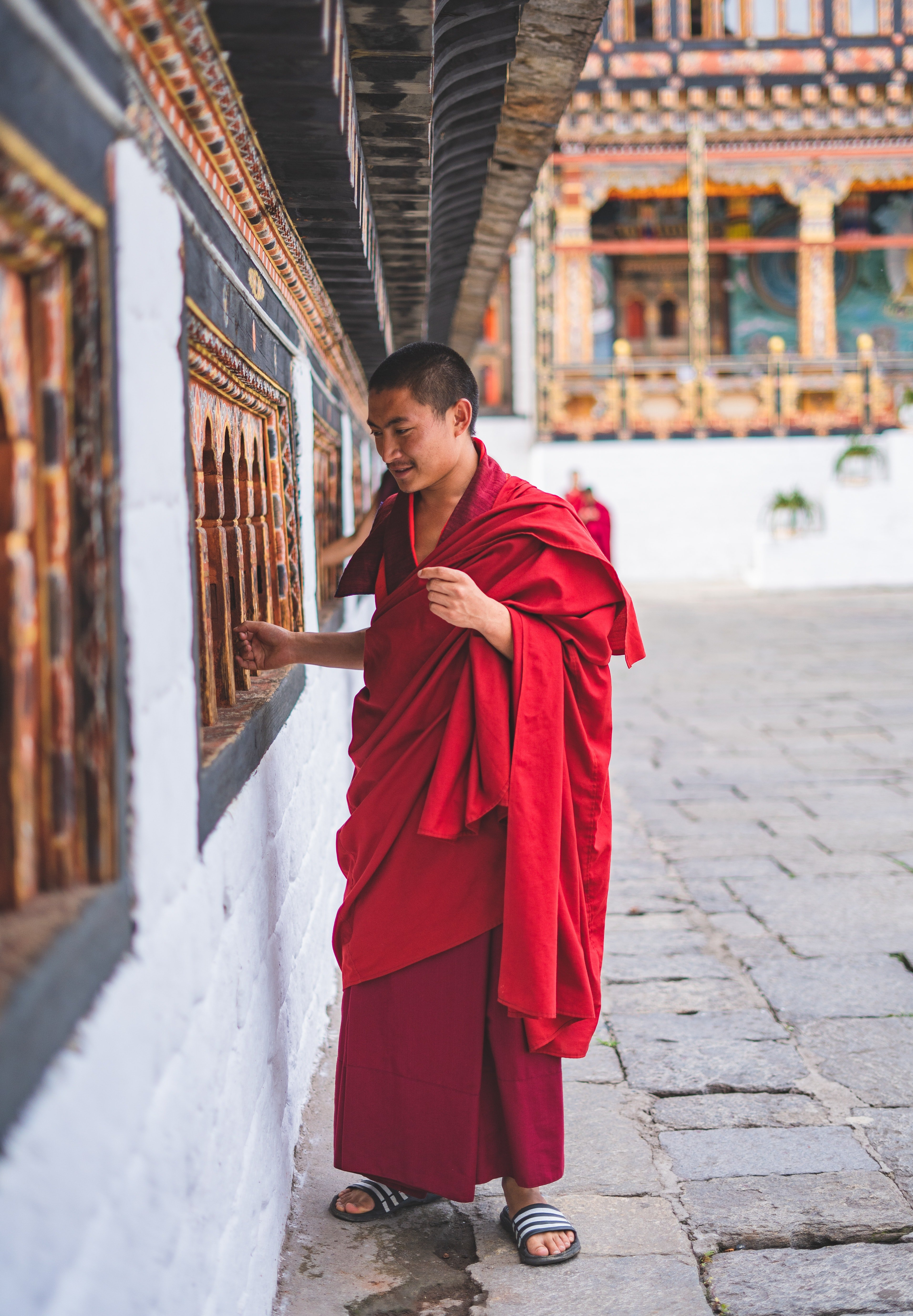 The boy was greeted by the head monk who refused to tell him anything. | Photo: Pexels