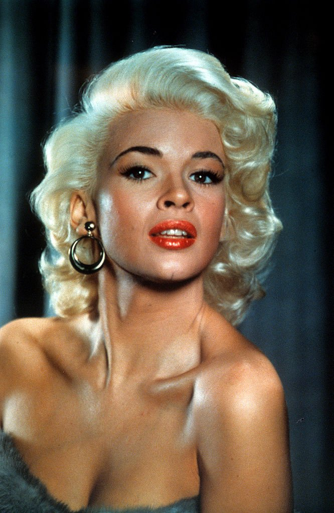 Jayne Mansfield in publicity portrait,1957 | Photo: Getty Images