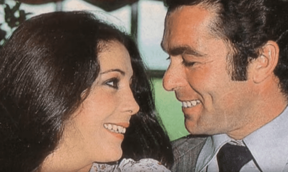 "Francisco Rivera ""Paquirri"" junto a Isabel Pantoja. | Imagen: YouTube/canalsur"