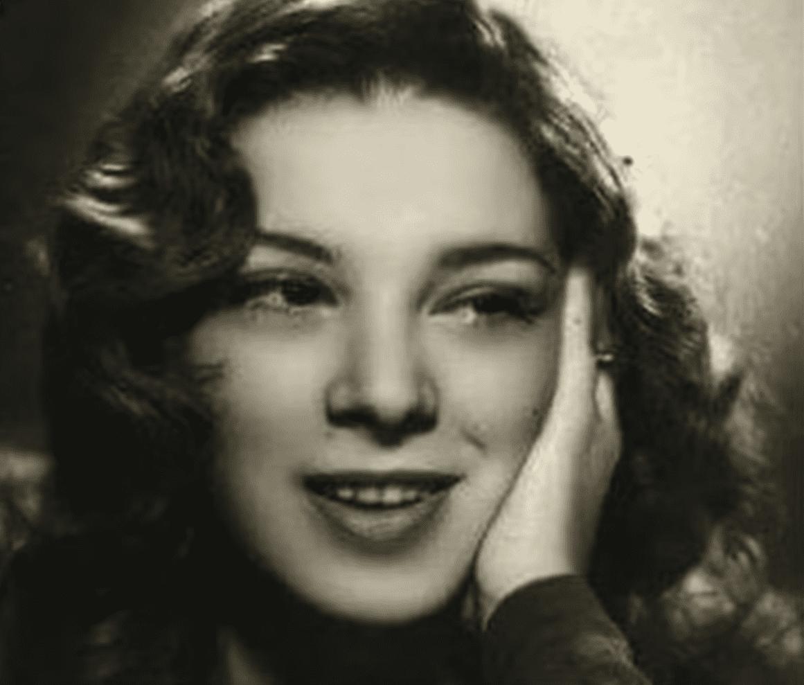Angelines Fernández. | Imagen: YouTube/Tu COSMOPOLIS