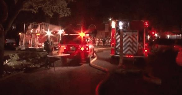 Houston firefighters responding to an emergency | Photo: KHOU-TV