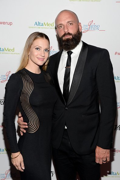 A. J. Cook (L) and Nathan Andersen attend the AltaMed Power Up, We Are The Future Gala on May 12, 2016 | Photo: Getty Images