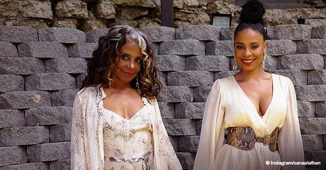 Sanaa Lathan & Lookalike Mom Are Twinning in Flowy Dresses (Photo)
